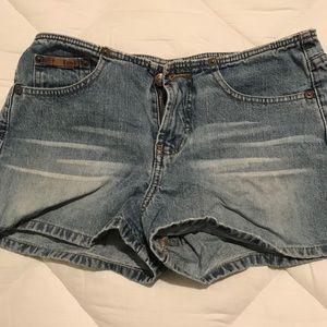 L.e.i. Jean shorts size 9